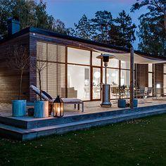 Månadens hus – Willa Nordic Timber House, Wooden House, House In Nature, House In The Woods, Modern Exterior, Exterior Design, Small Summer House, Mountain Home Exterior, Cosy House