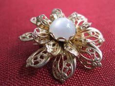 Moonstone Brooch Goldtone Flower Design Vintage