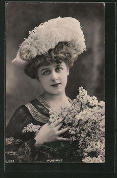 old postcard: Foto-AK Atelier Reutlinger, Paris, Schauspielerin Robinne im…