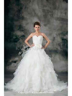 Organza Sweetheart Sweep Train A-line Hand-made Flower Wedding Dress