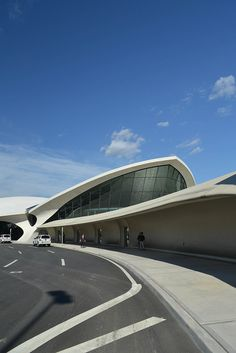 Here are some photos of the TWA Flight Center (aka TWA Terminal ) at JFK Airport by Eero Saarinen, Photographs are by Bryan Kelley an. Twa Flight Center, Airport Design, Art Nouveau, High Building, Eero Saarinen, Unique Architecture, Googie, Beautiful Space, New York City