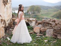 fotos de comunion niña - Google Bilaketa White Dress, Wedding Dresses, Google, Fashion, Bridal Dresses, Moda, Bridal Gowns, White Dress Outfit, Wedding Gowns