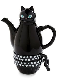 This Black Kitty Tea Set will be the perfect gift for cat lovers this Holiday