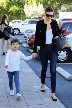 Analizamos el estilo de Miranda Kerr, una mamá icono de estilo.