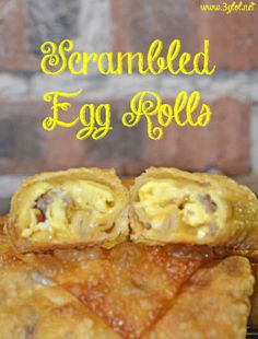 Scrambled eggs, sausage, bacon and cheese all rolled up in an egg roll. Easy grab me food for breakfast. Appetizer Recipes, Appetizers, Wonton Recipes, Egg Roll Wraps, Chicken Spring Rolls, Chicken Egg Rolls, Cooking Chinese Food, Egg Roll Recipes, Recipes Using Egg Roll Wrappers Baked