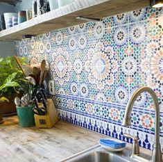 I've always wanted a big, Spanish-style kitchen, and this backsplash is perfect for it! :) If/when I get the opportunity to build my dream home, I definitely want something like room design home design house design Deco Design, Design Case, Moroccan Tile Backsplash, Backsplash Tile, Backsplash Ideas, Mosaic Tiles, Tile Ideas, Herringbone Backsplash, Tiling