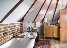 3 Blessed Clever Tips: Attic Cinema Ceilings attic apartment layout.Attic Diy Old Houses attic architecture reading room.Rustic Attic Home. Apartment Cleaning, Bathroom Cleaning Hacks, Attic Apartment, Attic Rooms, Clean Apartment, Cleaning Tips, Deep Cleaning, Bedroom Cleaning, Attic House