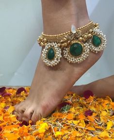 Anklets And Payal Designs Ankle Jewelry, Ankle Bracelets, Indian Wedding Jewelry, Indian Jewelry, Gold Bridal Jewellery, Indian Bridal, Ruby Jewelry, Jewelery, Resin Jewellery