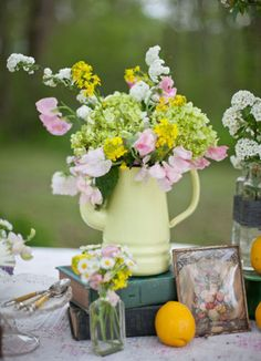 How to Make a Cool Flower Arrangement: 8 DIY Ideas for Spring | StyleCaster