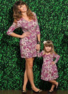 Look mãe e filha.