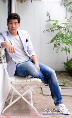Lee Sang Yoon today in news ...