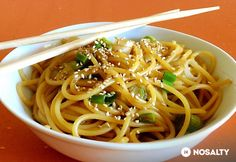 Spaghetti, Food Porn, Wok, Food And Drink, Cooking, Ethnic Recipes, Easy Meals, Food And Drinks, Food Food