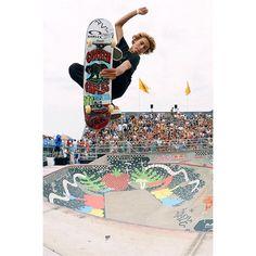 Curren Caples at the VANS 66 Van Doren Invitational Hang Ten, Skates, Bmx, Skateboard Decks, Skateboard Images, Skateboard Boy, Skate And Destroy, Cool Skateboards, Skater Boys