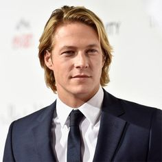 Luke Bracey biography with personal life, affair and married related info. Wiki in timeline with facts and info of age, height, net worth, nationality and ethnicity.