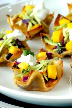 20 minute crunchy, cheesy Baja Tuna Melt Cups - An easy, flavor, texture packed satisfying appetizer, snack or meal. You won't be able to eat just three. Best Appetizers, Appetizer Dips, Appetizer Recipes, Snack Recipes, Cooking Recipes, Snacks, Delicious Appetizers, Mango Recipes, Fish Recipes