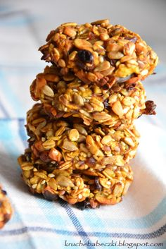 Ciasteczka z ziarnami, bananem i jabłkiem Cookies with grains, banana and apple Cake Cookies, Granola, Healthy Life, Grains, Bakery, Recipies, Good Food, Lunch Box, Food And Drink