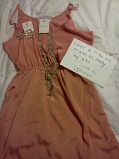 bought her a dress and jewelry and had a surprise date planned <3 so sweet I would love this