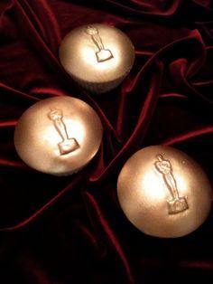 Cupcakes with Academy Awards Oscar Cupcake Caps #Academy Awards #oscar #party $24