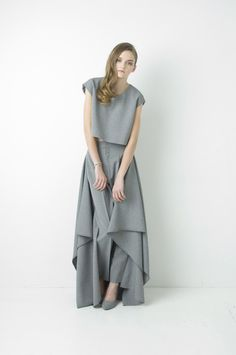 Natsumi Zama's 2 --> 3 Collection just won my heart. As a clothing designer it is hard not to love the drape of good fabric. Sometimes I like to pin the fabr