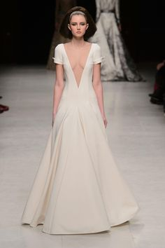 Julien Fournié Spring 2015 couture. Flawless gown. White all the way.