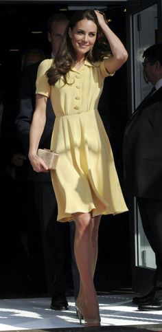 Kate Middleton is a great example wearing the shirtwaist dress. She wears  it perfectly 50c4f462357