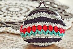 De Estraperlo: Crochet Tulip Coin Purse pattern