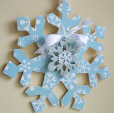 Wood snowflake Wreath http://card-blanc.blogspot.com/2009_08_01_archive.html