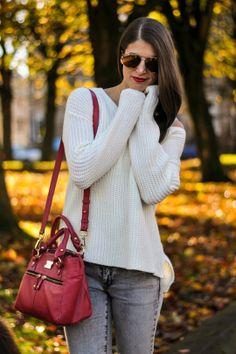 chunky knit & pink bag