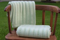 A free pattern for a baby blanket in garter rib.
