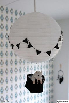 IKEA hack: DIY balloon lamp for the kids room by hacking Regolit from IKEA. Baby Boy Rooms, Baby Room, Kids Lamps, Pretty Kids, Pretty Room, Kids Lighting, Lighting Ideas, Kids Room Design, Kid Spaces