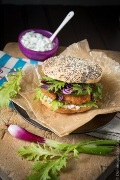 burger crevette avocat tzatziki pain