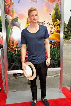 """Cody Simpson en el estreno de """"Lluvia de Albóndigas 2"""""""