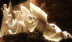 Magic in Certaldo, Tuscany, for Mercantia, street art festival #tuscany #certaldo #angels #mercantia #streetart www.hotelcertaldo.it