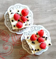 Thursday cravings: chocolate brownie with cream cheese frosting and raspberries Best Dessert Recipes, Fun Desserts, Cake Recipes, Cream Cheese Brownies, Cream Cheese Frosting, Raspberry Brownies, Grilled Cheese Recipes, Cake Bars, Brownie Cake