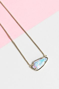Kendra Scott Opal Necklace | The LV Guide