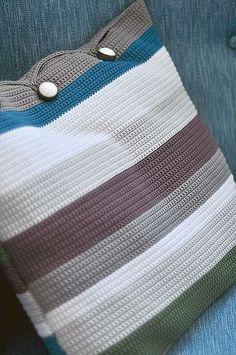 crochet pillow- I'd like that as a purse!