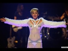 Miley Cyrus live performance new year 2014 time square new york countdown ball drop - YouTube