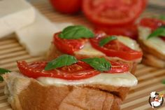 Easy and quick Bruschetta perfect as an appetizer or even a side dish. Recipe from PocketChangeGourm. Bruschetta, Appetizers For Party, Appetizer Recipes, Great Recipes, Favorite Recipes, Yummy Recipes, The Fresh, Italian Recipes, Food Porn