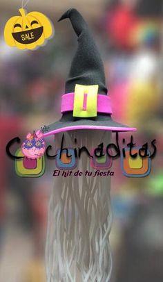 Dale a tu Halloween la mayor diversión con los sombreros de hule espuma de temporada... Serán la sensación #LosMásDivertidos #HalloweenEnCochinaditas ¡Visita nuestra tienda! Sombrero de bruja