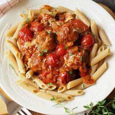 Aito cheddar-lihapullat napolilaisittain | Kulinaari Takana, Cheddar, Spaghetti, Pasta, Chicken, Meat, Ethnic Recipes, Food, Cheddar Cheese