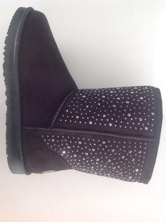 #botin #pelo #brillantes #tacon #zapato #descanso #look #chic http://calzadostacon.es/