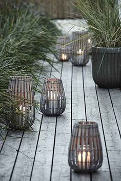 Here are outdoor lighting ideas for your yard to help you create the perfect nighttime entertaining space. outdoor lighting ideas, backyard lighting ideas, frontyard lighting ideas, diy lighting ideas, best for your garden and home Garden Lanterns, Ideas Lanterns, Garden Candles, Outdoor Lighting, Outdoor Decor, Lighting Ideas, Backyard Lighting, Outdoor Sofas, Exterior Lighting