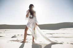 Sand Dunes :: Desert Style :: Cactus Rose :: Boho :: Gypsy Soul :: Bohemian Beauty :: Hippie Spirit :: Free your Wild :: See more Untamed Desert Photography + Fashion Inspiration Bohemian Mode, Boho Gypsy, Bohemian Style, Boho Chic, White Bohemian, Gypsy Rose, Desert Fashion, Boho Fashion, Boho Life