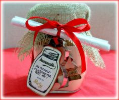 Biscotti in barattolo: regalo di Natale home-made!   Sulla scrivania di Melangy Christmas Gifts, Xmas, Christmas Ornaments, Jar Gifts, Sweet Recipes, Homemade, Holiday Decor, Creative, Projects