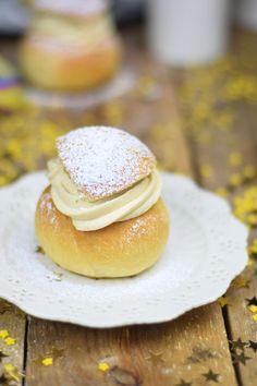 Semlor - Schwedische Ofenberliner mit Baileys Creme - Oven Doughnuts with…