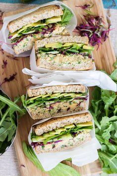 Green Chickpea Salad and Avocado Panini | Zeleni panini s čičerikino solato in avokadom - Dear Kitchen! #vegan