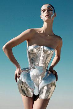Dolce and Gabbana, malgosia, metallic dress, futuristic, silver, platinum