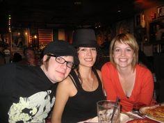 Patrick & Elisa, Elisa's hat omg!!!