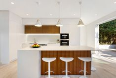Stunning open plan kitchen renovation in our Castlecrag Project. The light and spacious kitchen flows to the outdoor courtyard – perfect for entertaining Modern Kitchen Renovation, Home Renovation, Kitchen Living, New Kitchen, Central Island, Cupboard Wardrobe, Island Bench, Open Plan Kitchen, Kitchen Cupboards