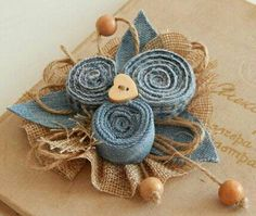 Denim Tissue Flowers, Fabric Flowers, Denim Flowers, Old Jeans, Denim Jeans, Fabric Brooch, Denim Crafts, Recycle Jeans, Leather Jewelry